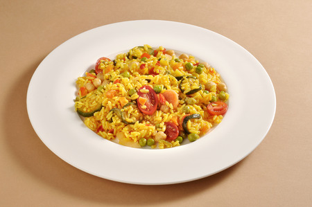 Dish with a portion of vegetarian paella