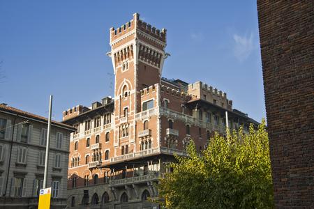 Zicht op kasteel Cova in het centrum van Milaan Redactioneel
