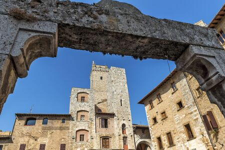 Detail of Well in the square of the cistern in San Gimignano Siena Tuscany Stockfoto