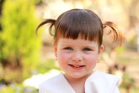 어린 소녀: 아름다운 소녀