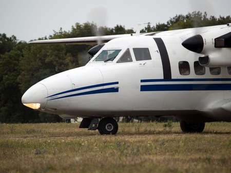 turboprop: Small turboprop commuter plane position and hoold