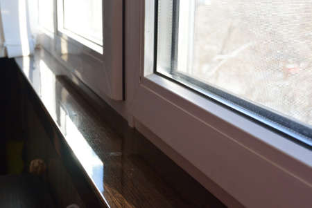 glazing: acrilyc sill venge and pvc windows glazing