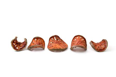 membrillo: fila de membrillo seca en el fondo blanco Foto de archivo