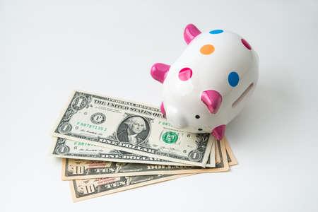 dead piggy bank with money Banco de Imagens