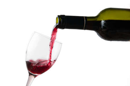pour red wine in glass
