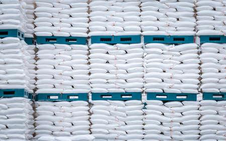 pile de sac blanc dans l'entrepôt