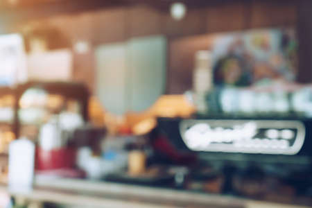 Blur coffee and restutant cafe with customers background vintage tone color style. 免版税图像 - 164463815