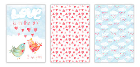 Happy Valentines day three-way postcard with kissing birds and love is in the air phrase, hearts and clouds on back covers. Romantic illustration with watercolor hand drawn set Stockfoto