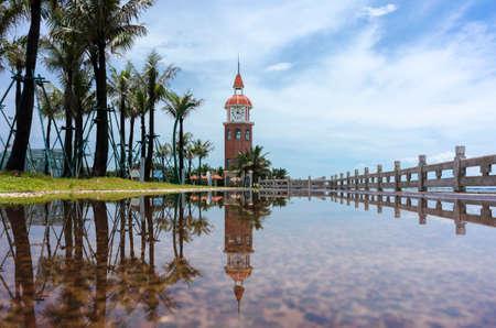 海口の雨の後の鐘塔 写真素材