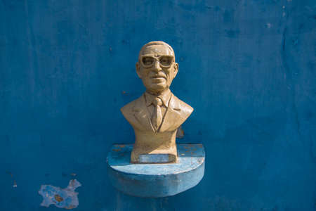 BUENOS AIRES, ARGENTINA - OCT 31, 2015: Bust of Gabino Coria Penaloza, made by Euzer Diaz and placed along Buenos Aires, Caminito. Editorial