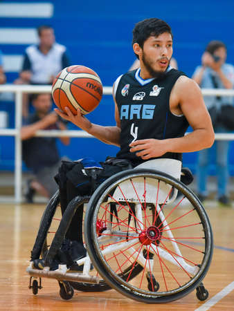 paraplegico: Buenos Aires, Argentina. 27 Jan, 2017. Brazil vs. Argentina wheelchair basketball game during the Americas Championship 2017.