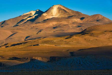 休火山山脈・ デ ・ リペス ボリビアのポトシでの Uturunku。