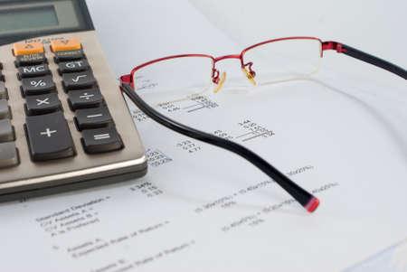 Financial statement for money calculation Standard-Bild