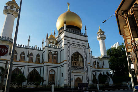 The Famous Sultan Mosque Singapore. Masjid Sultan Singapore is is a mosque located at Muscat Street and North Bridge Road within the Kampong Glam precinct of the district of Rochor in Singapore. Sajtókép