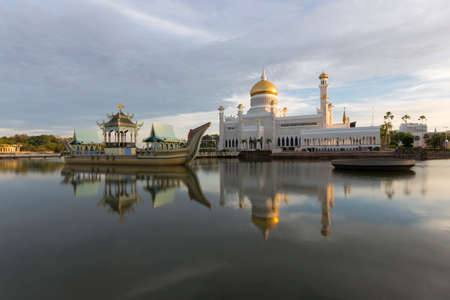 asia pacific: Sultan Omar Ali Saifuddien Mosque is an Islamic mosque located in Bandar Seri Begawan, the capital of the Sultanate of Brunei. Considered as one of the most beautiful mosques in the Asia Pacific, it is a place of worship for the Muslim community, a major