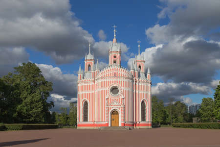 decora: One of the most commanding and majestic examples of Gothic architecture in Saint Petersburg, the Chesma Cathedral truly is a one of a kind structure. The most interesting point about this imposing structure is the pink and white striped design that decora