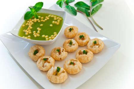 indian food: Pani puri - golgappe