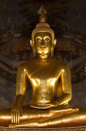 buddha in Wat photo