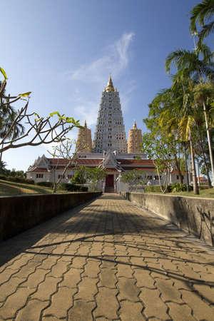 wat thai in chonburi photo