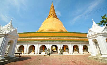 nakhon pathom: Nakhon Pathom Landmark in wide