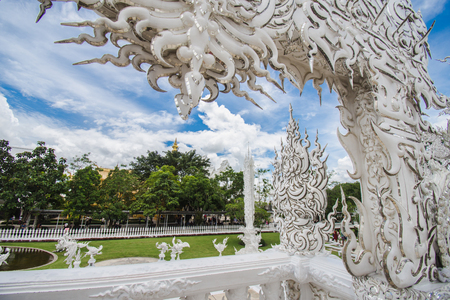 Wat Rong Khun  white temple at Chiang Rai in northern of Thailand. Imagens