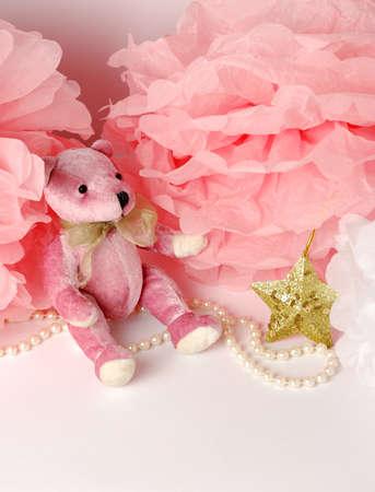 pompom: Rosa orsacchiotto e decorazioni di carta, pom-pom