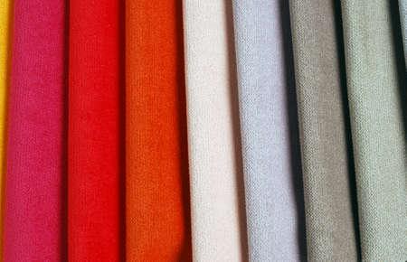 Helle Sammlung von bunten Velours Textilproben. Stoff Textur Hintergrund Standard-Bild - 53895741