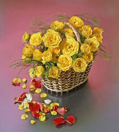 basket with yellow roses Standard-Bild