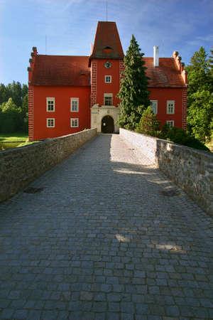 Tschechische Republik - Brücke zum Schloss Cervena Lhota - Tschechische Republik Standard-Bild - 54011938