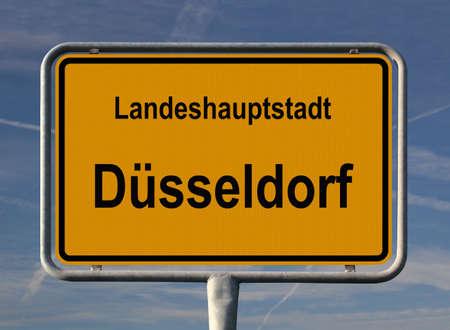 ortseingangsschild: Allgemeine Stadt Eintrag Zeichen des D?sseldorf, Hauptstadt von Nordrhein-Westfalen in Deutschland