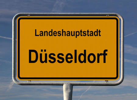 ortsschild: General city entry sign of D�sseldorf, capital of Nordrhein-Westfalen in Germany