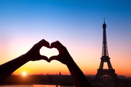 simbolo de la mujer: luna de miel en París Foto de archivo
