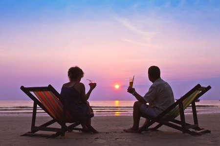 paar op het strand Stockfoto