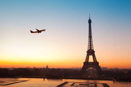 airplane ticket: travel to Paris