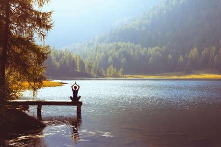 웰빙과 건강한 생활 양식 개념, 요가 배경
