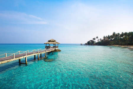 panoramic beach: paradise island
