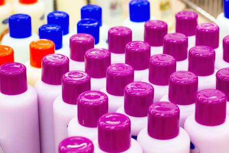 aseo personal: champú y gel de ducha en la tienda