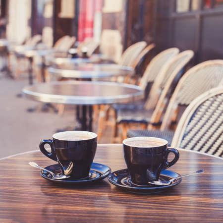 tarde de cafe: coffee in cozy street cafe in Europe