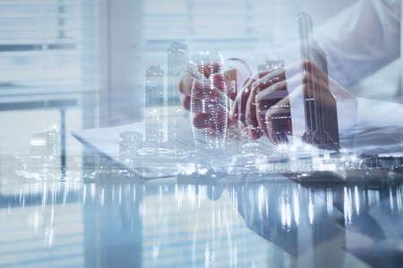 署名の契約、露出背景、ビジネス契約、条件や規制についての概念