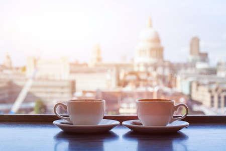 's ochtends koffie in het café, ontbijt in Londen, Verenigd Koninkrijk
