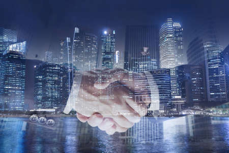거래 또는 계약 비즈니스 개념, 핸드 셰이크 두 번 노출, 협력 또는 파트너십