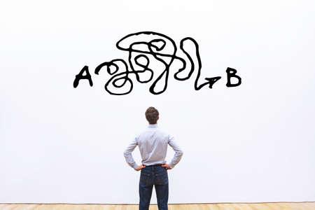 résolution de problèmes, solution compliquée du point A au point B, idée d'entreprise ou concept de créativité, difficulté à résoudre Banque d'images