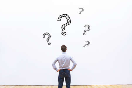 vraag concept, zakenman denken