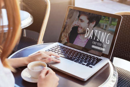 dating online, woman looking for boyfriend, find love on internet 写真素材