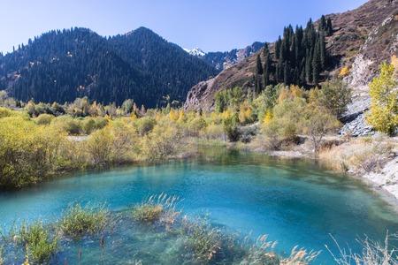 clear water in Issyk lake in Kazakhstan Imagens