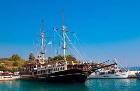 sithonia: Barca a vela turistica a Ormos Panagias, Sithonia, Grecia