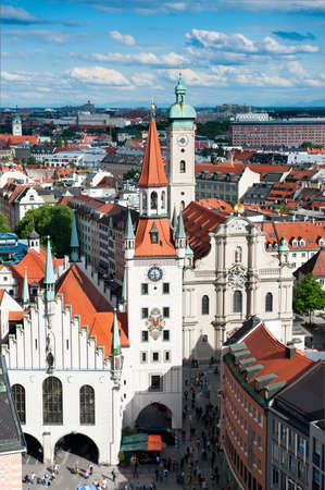 Marienplatz i Stary Ratusz, widok z lotu ptaka z New Town Hall Tower, Monachium, Niemcy Publikacyjne