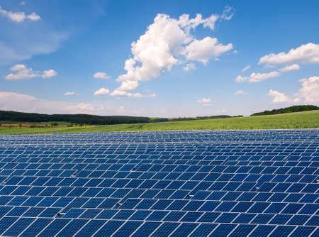 planos electricos: Granja solar en zonas rurales de Alemania Foto de archivo