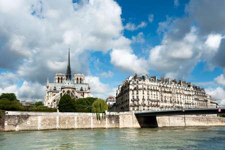 ile de la cite: View to Ile de la Cite, including Notre Dame Cathedral from across the river