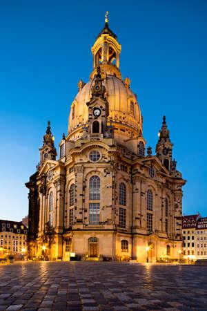frauenkirche: Frauenkirche bei Nacht in Dresden, Deutschland